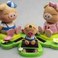 Solar doll pig solar swinging pig solar toy gift car decoration accessories Family of three